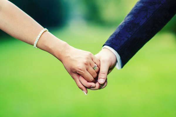 Being Aware of Trailing Spouse Syndrome: How the Questions You Can't Ask May Make All the Difference