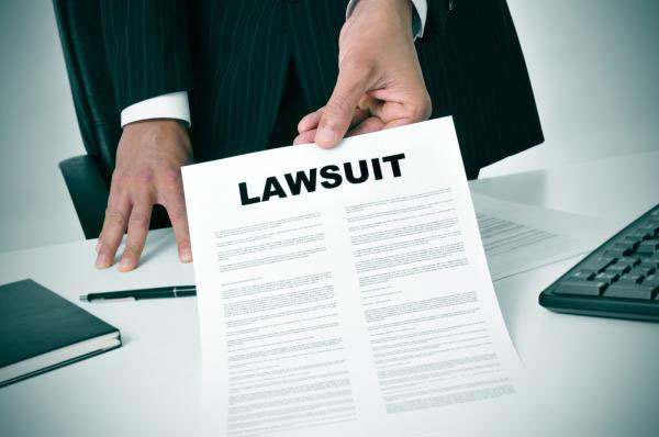 Bryan Cave Partner sued a Dallas legal recruiter