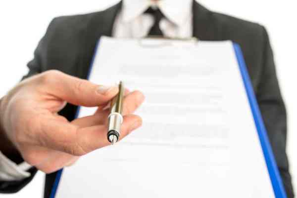 How to use a legal search firm