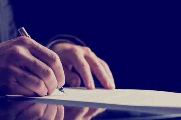 New Lawyer Wonders About Effects of Contract Work on His Resume