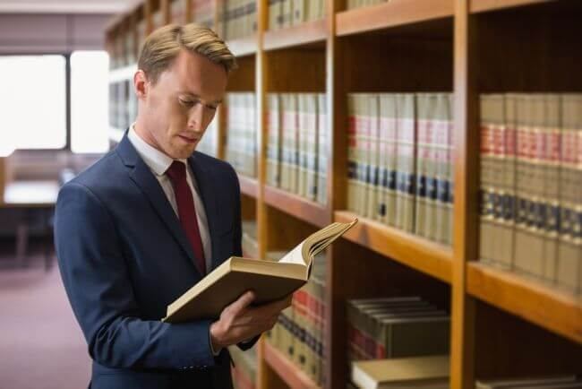 Newly minted lawyer unsure about non-associate position being offered