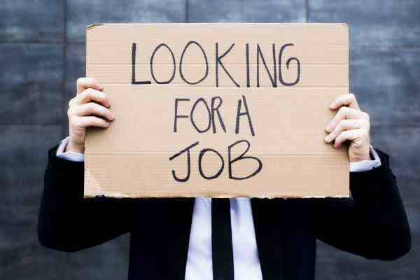 Recently Graduated and Unemployed: Assistance with Your Hunt for a Permanent Legal Position