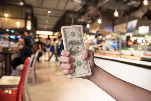 Ropes Advise AGP And Seyfarth Advise TIAA-CREF on Mall Investment